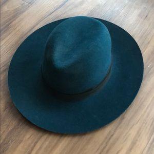 Jenessa Leoné Beautiful Wool Hat